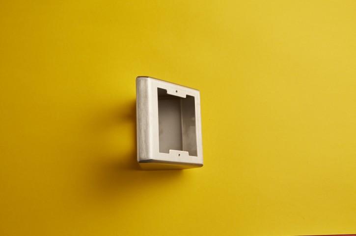 Aufputz-Gehäuse 45 Grad für Türstellen der Grösse 1 Modul